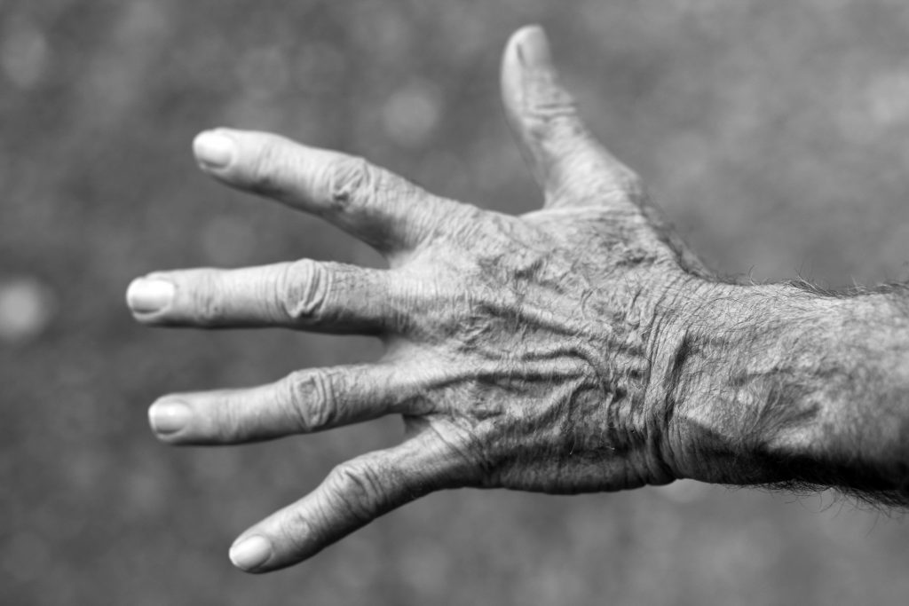 hand-elderly-wrinkles-black-and-white